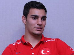 Kaan Ayhan'ı Fenerbahçe Kaptı!
